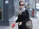 Emma Watsonová vzbudila pohoršení, když venčila růžového psa.
