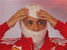 U SE CHYSTM. Brazilsk pilot Felipe Massa se pipravuje ped sobotnm