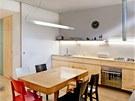 Kuchyňská linka je vytvořena podle návrhu Markéty Smrčkové a jejího partnera