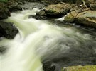 K nejatraktivnějším a zároveň vodácky nejtěžším patří kaskádovité úseky a