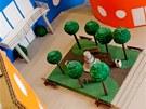Sout� o nejlep�í �kolní budovu z ekologické lepenky. Dvorana �koly na modelu...