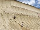 Jedn� se o prvn� odhalen� masov� hrob mamut� na sv�t� (27. �ervna 2012)