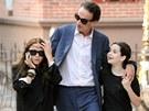 Mary Kate Olsenová a její přítel Olivier Sarkozy se svou dcerou