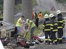 Trosky �esk�ho autobusu, kter� havaroval na chorvatsk� d�lnici A1 nedaleko