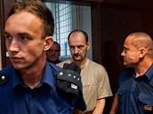 Jiří Mlíka u Krajského soudu v Hradci Králové (20. 6. 2012)