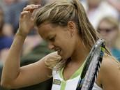 TAK NEV�M... Barbora Z�hlavov�-Str�cov� v utk�n� prvn�ho kola Wimbledonu proti