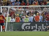 Španělský obránce Sergio Ramos napodobil Antonína Panenku a dloubákem proměňuje