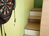 Ve schodech na palandu jsou i �lo�n� prostory.