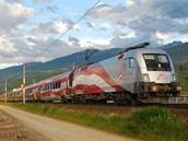 """Nejdelší a nejrychlejší vlajka jezdí """"vlakem"""" po Rakousku"""