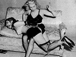 Pin-up Bettie Page byla ikonou feti�istick� komunity.