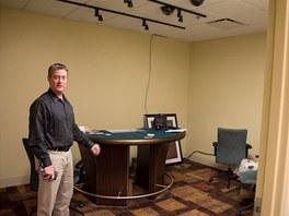 Testovací místnost, kde si Ted Whiting zkouší nové techniky