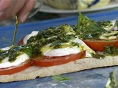 Přidejte ještě trošku olivového oleje...