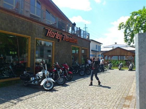 Staří i noví známí se potkávají v Harley-Davidson Plzeň