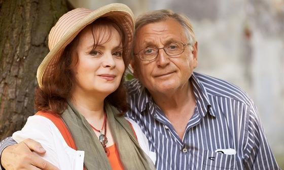 Z natáčení filmu Sukničkáři. Na fotografii Jiří Menzel a Libuše Šafránková