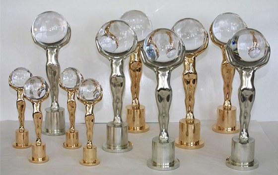 Křišťálový globus - cena MFF Karlovy Vary - se uděluje v několika kategoriích,
