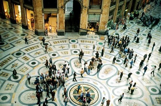 Inspirací pro neapolskou galerii Umberta I. se stala slavná galerii Viktora