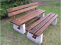 Starostové vědí, kam zajet nakoupit koše i lavičky do parků1