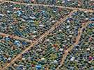 Takto vypadal ve čtvrtek odpoledne pohled na stanové městečko z letadla. (5....