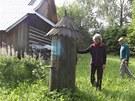 Kolem roubených chalup v památkové rezervaci jsou rozmístěné i staré dřevěné