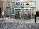 Přístup k výtahům v ulici Magdaleny Rettigové. Odtud je to jen pár kroků do...