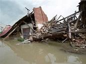 Zničené Troubky na Přerovsku při povodních v roce 1997.
