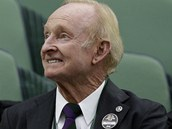 LEGENDA. spn tenista Rod Laver v hlediti muskho semifinle  mezi Rogerem