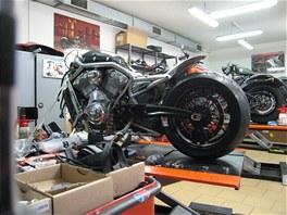 Harley – Davidson Praha – přestavba Bad Bull XR1200 Kubar