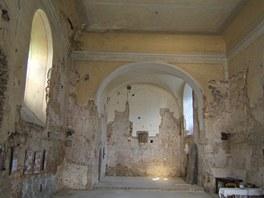Interiér kostela sv. Víta v Zahrádce