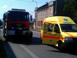 Zásah hasičů u zavaleného při zřícení domu v Hranicích.