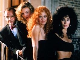 Jack Nicholson, Michelle Pfeifferová, Susan Sarandonová a Cher ve filmu