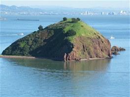 Ostrov Red Rock u San Francisca je na prodej.