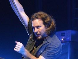 Pearl Jam koncertovali 2. 7. 2012 v pražské O2 areně (Eddie Vedder)