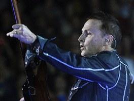 Pearl Jam koncertovali 2. 7. 2012 v pražské O2 areně (Mike McCready)