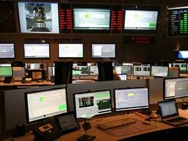 Hlavní kontrolní místnost - přípravy před startem