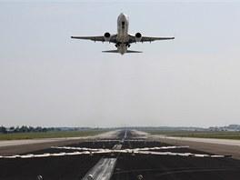 Pro Boeing 737 nepředstavuje zkrácená dráha sebemenší obtíž. Ve chvíli, kdy