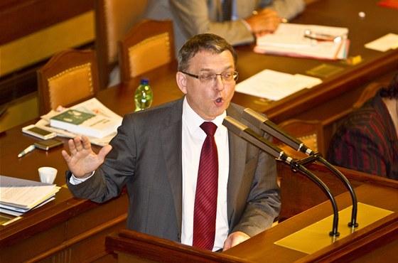 Lubomír Zaorálek na jednání poslanecké sněmovny o vydání Vlasty Parkanové.