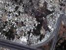Sn�mek z orbitu ukazuje �kody, kter� v Dama�ku nap�chaly tanky a d�lost�electvo