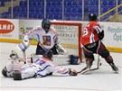 Momentka z utkání mistrovství světa organizace FIRS v in-line hokeji mezi