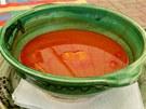 Rybí polévka halászlé je chloubou maďarské kuchyně.