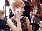 Aňa Geislerová na přehlídce Dior Haute Couture doslova zazářila, když si...
