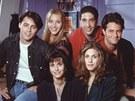 Seriál Přátelé (Matt LeBlanc, Lisa Kudrowová, David Schwimmer, Matthew Perry, Courteney Coxová a Jennifer Anistonová v roce 1995)