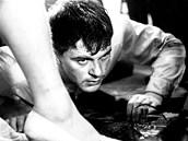 Mladý Jan Kačer ve filmu Evalda Schorma Každý den odvahu.