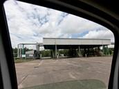 Čerpací stanice pro náklad kamionů v podniku Čepro, který spravuje produkty a