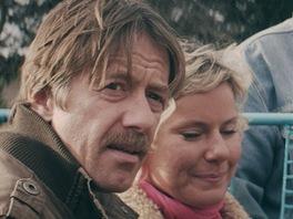 Z filmu Svatá čtveřice, na snímku Jiří Langmajer, Viktorie Čermáková, Hynek