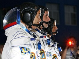 Posádka Expedice 32 - Jurij Malenčenko, Sunita Williamsová, Akihiko Hošide.