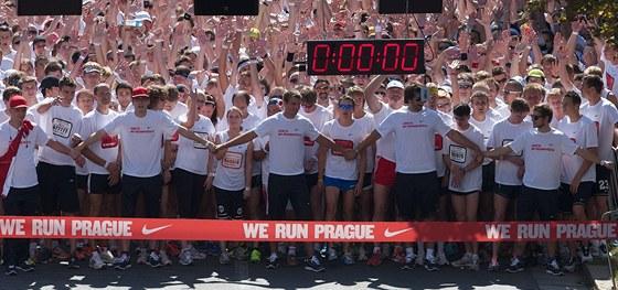 P�ed startem lo�sk�ho pr�miov�ho ro�n�ku We Run Prague