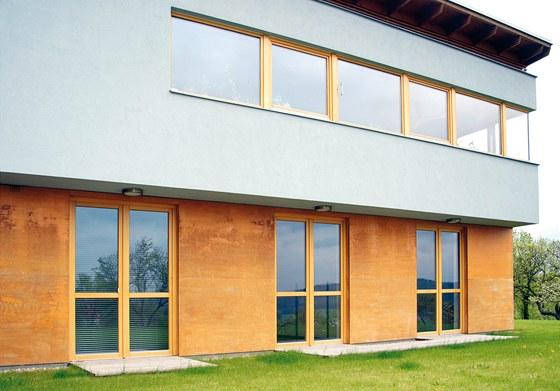P�i stavb� tohoto domu byly pou�ity r�zn� typy d�ev�n�ch oken, v p��zem� jsou