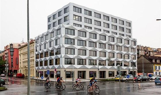 Keystone: Stavba v ulici Pob�e�n� v Karl�n� je vzpom�nkou na �esk� kubismus.