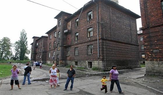 Cihlové domy v romském ghettu Přednádraží v Ostravě-Přívoze.