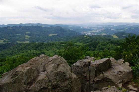 Pohled z Humboldtovy vyhlídky na Bukové hoře na Ústí nad Labem